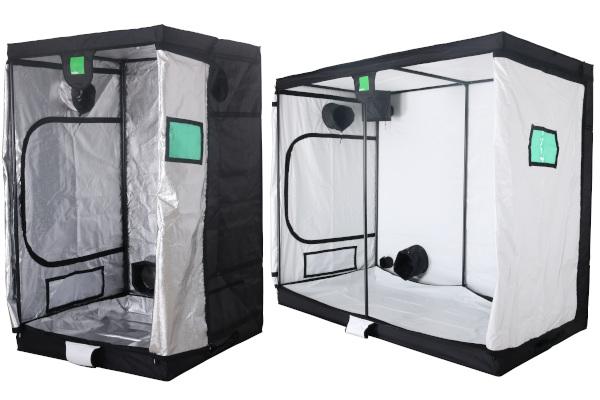 Indoor pěstební stany BudBox jsou vybaveny stříbrnou nebo prémiovou bílou fólií.